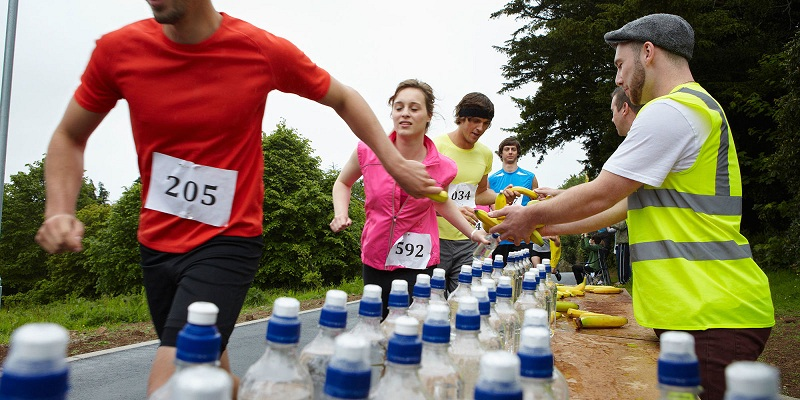 Stand with water and snacks in a marathon