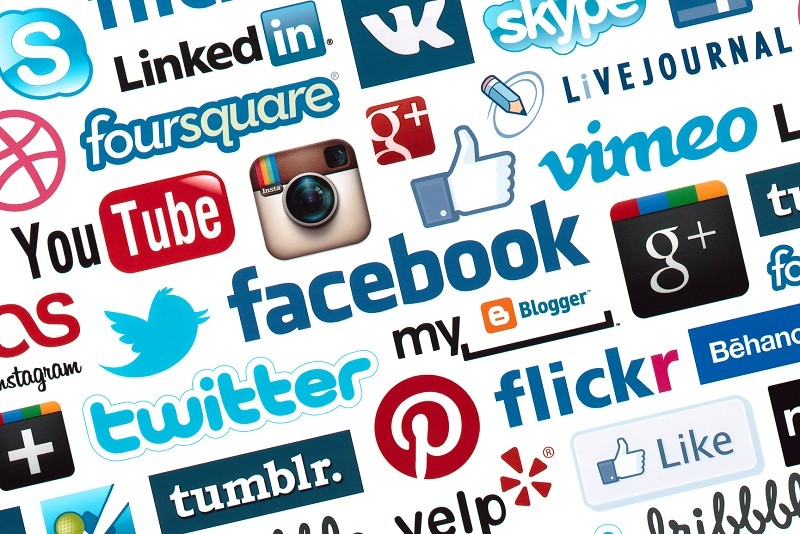 Promote the event on social networks