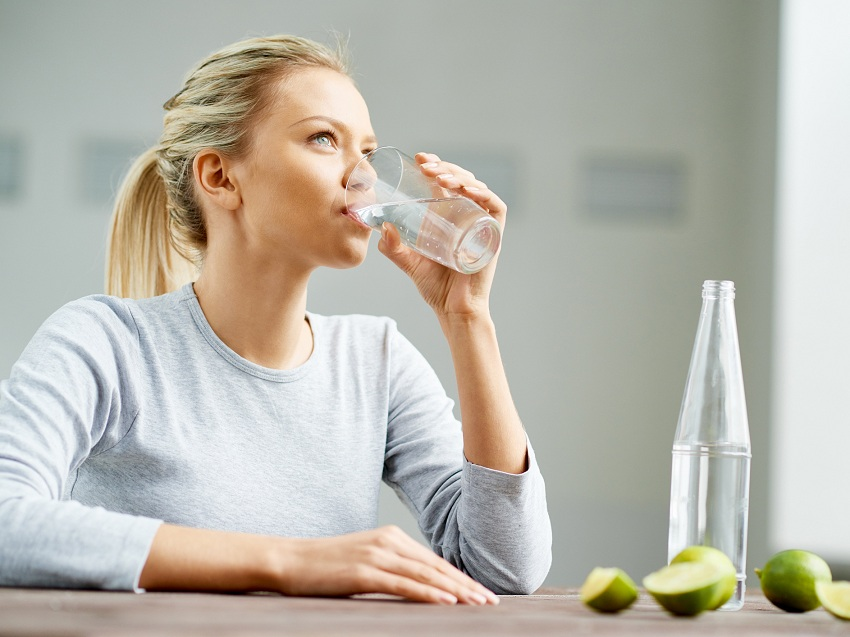 2 liters of water per day to calm anxiety when dieting