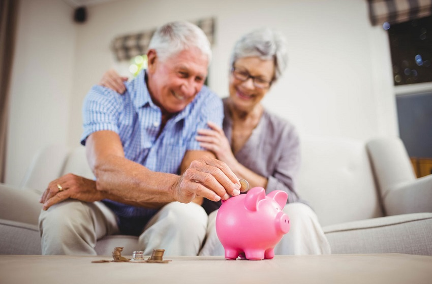14 ways for retirees to earn money with little investment