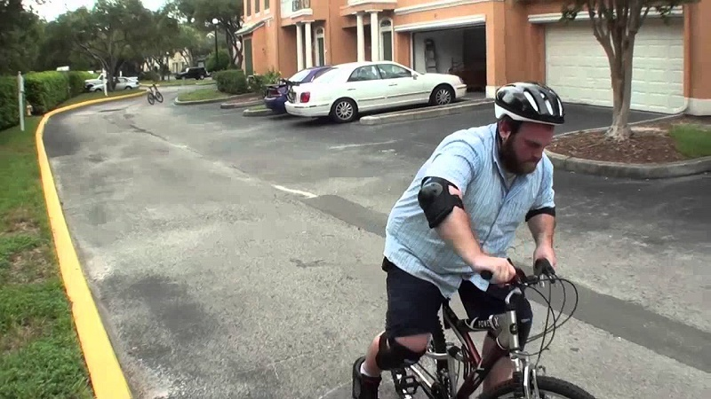 How to ride bicycle in Road and Highway