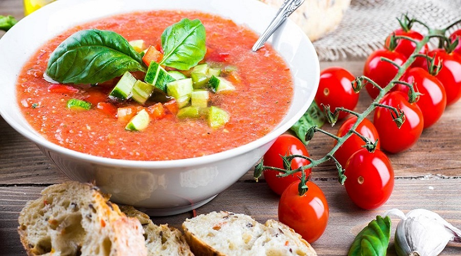 3 Ways to make gazpacho with vegetables