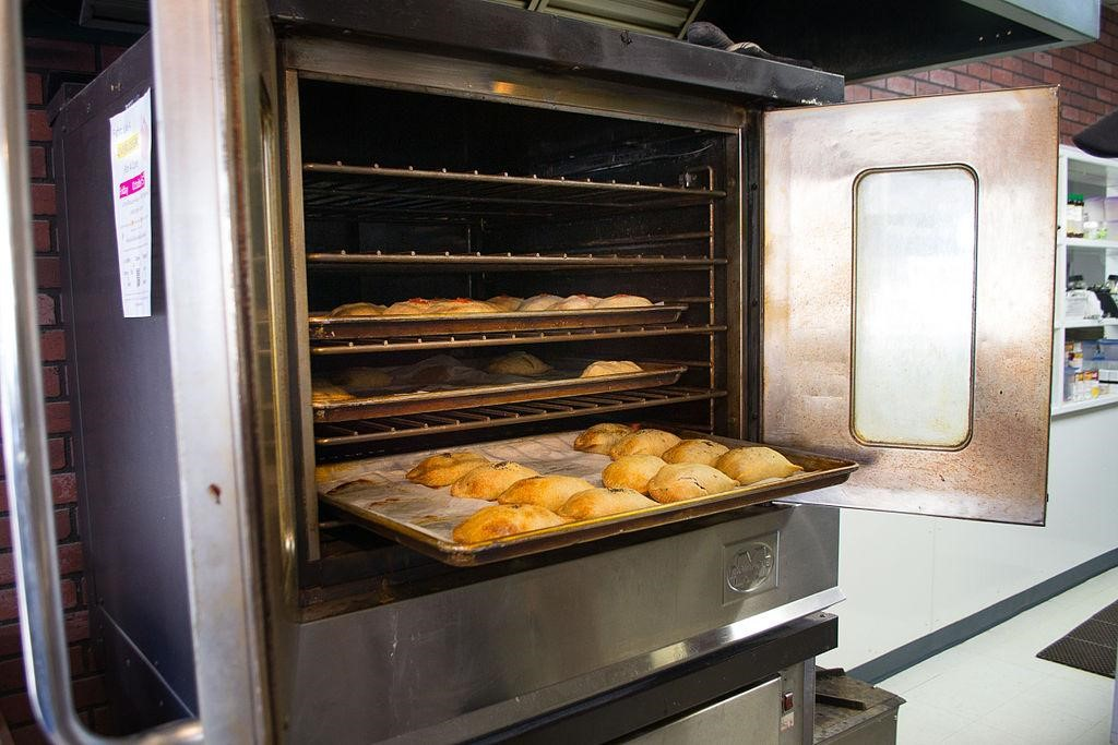 5 Key Tips for Caring for a Commercial Oven