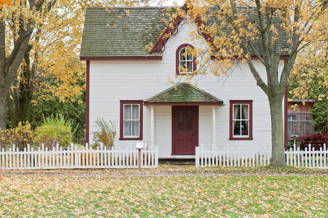 Factors to consider before buying an old house