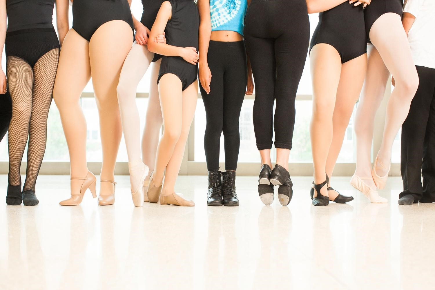 What is considered a well-rounded training routine for dancers?