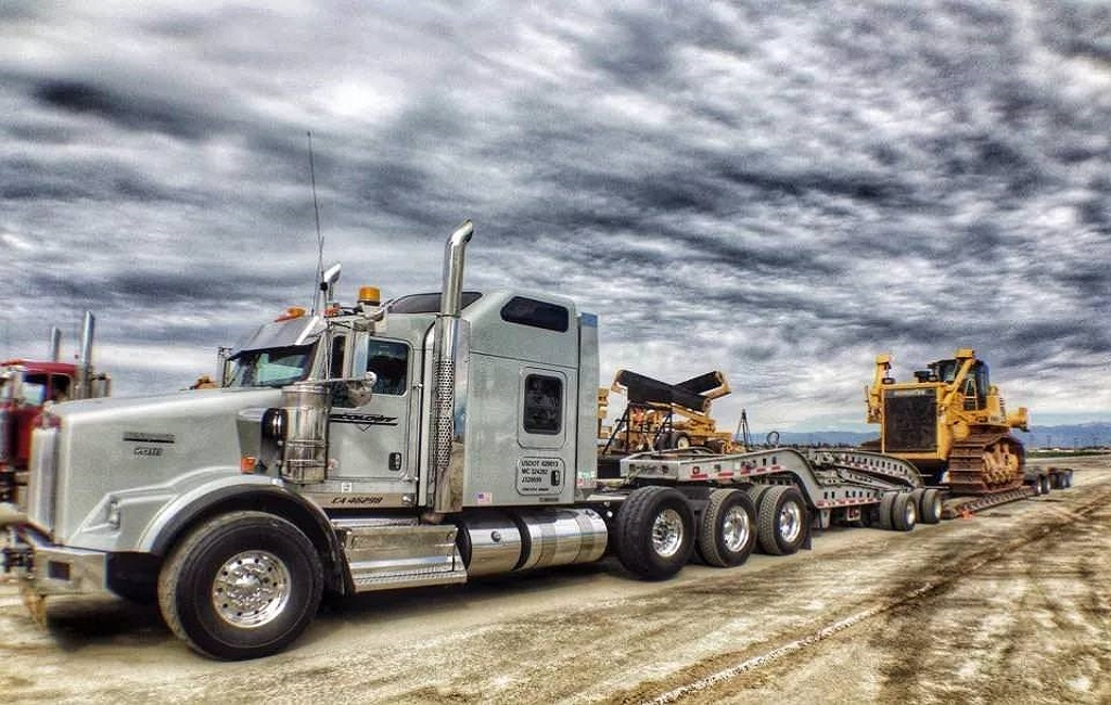 What Do Heavy Haul Truckers Most Commonly Freight