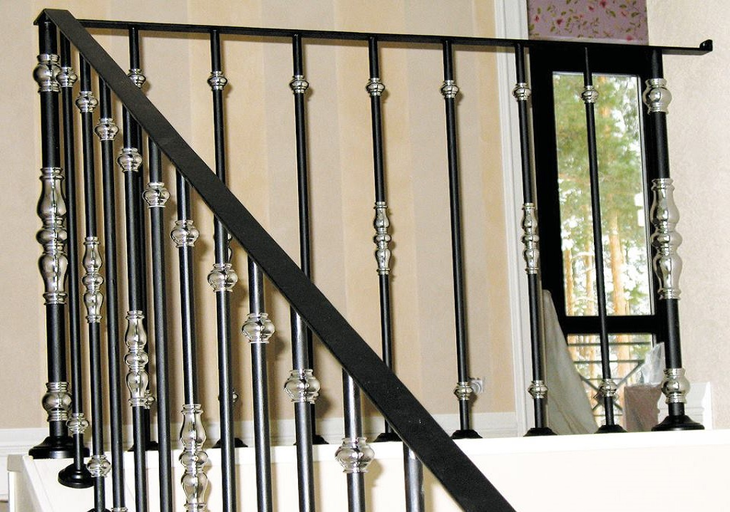 How to clean metal railings? Step by step tricks and effective solutions